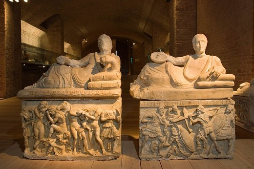 europe, italy, tuscany, siena, santa maria della scala, archaeological museum, etruscan museum, alabaster urns : Stock Photo