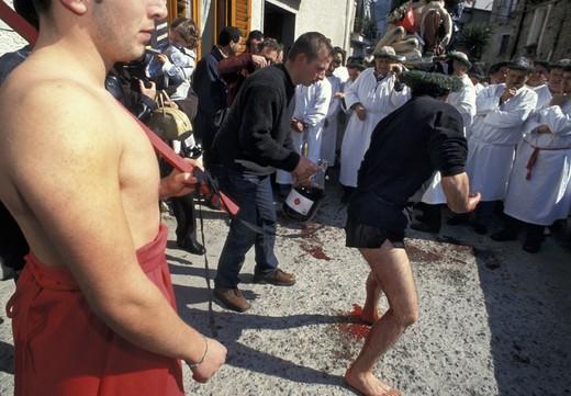 holy week/´vattienti´ procession, nocera terinese, italy : Stock Photo