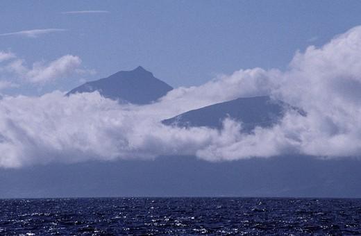 Stock Photo: 3153-688665 pico volcano, pico, portugal