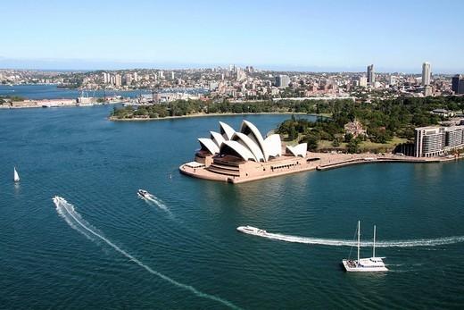 opera house e harbour bridge, sydney, australia : Stock Photo