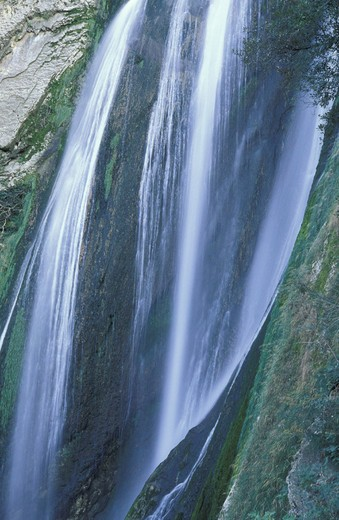villa gregoriana: waterfalls, tivoli, italy : Stock Photo