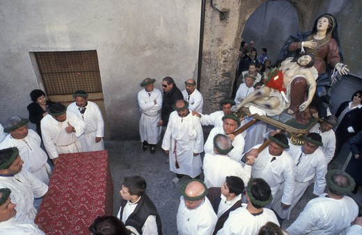 Stock Photo: 3153-712234 holy week/´vattienti´ procession, nocera terinese, italy