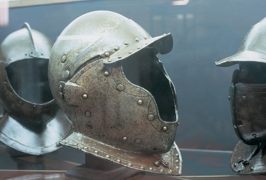 Stock Photo: 3153-713252 malta, valletta, helmets in the armoury of the great master palace