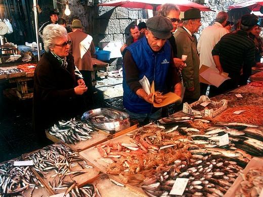 Stock Photo: 3153-720598 italy, sicily, catania, fish market
