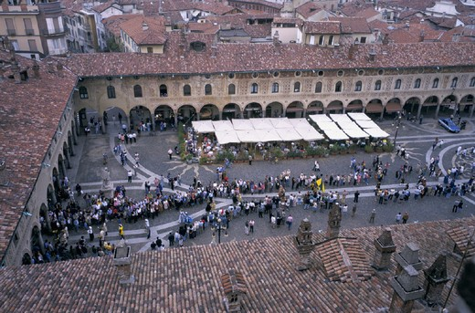 Stock Photo: 3153-724172 italy, lombardia, vigevano, palio of the contradas