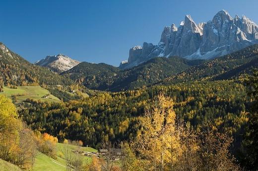 europe, italy, trentino alto adige, dolomites, val di funes, santa maddalena, odle group : Stock Photo