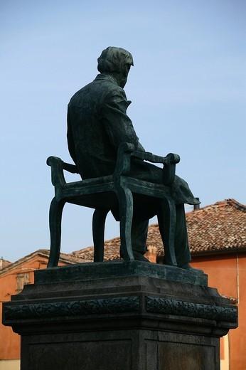 monumento a verdi, busseto, emilia romagna, italia : Stock Photo