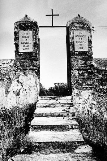 cimitero del carcere di ventotene, italia : Stock Photo