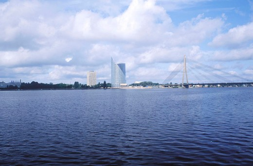 Stock Photo: 3153-740007 europe, latvia, riga, daugava river, vansu bridge