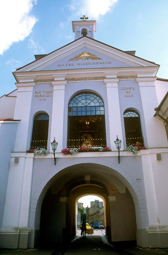 Stock Photo: 3153-741977 europe, lithuania, vilnius, sunrise gate, ausros vartai