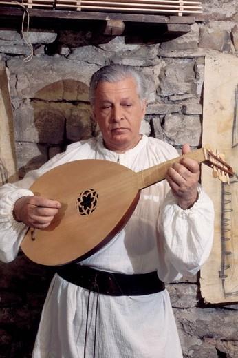 europe, italy, umbria, bevagna, mercato delle gaite, musician : Stock Photo