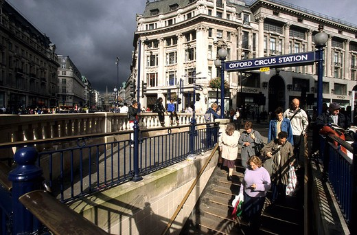 Stock Photo: 3153-743982 europe, england, london, oxford circus