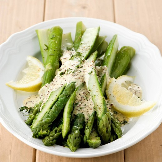 asparagus with sauce : Stock Photo