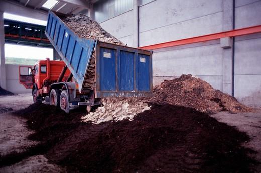 Stock Photo: 3153-747634 dumping