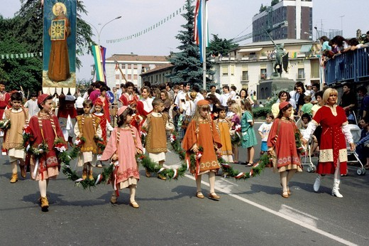 historical parade, sagra del carroccio, legnano, lombardia, italy : Stock Photo
