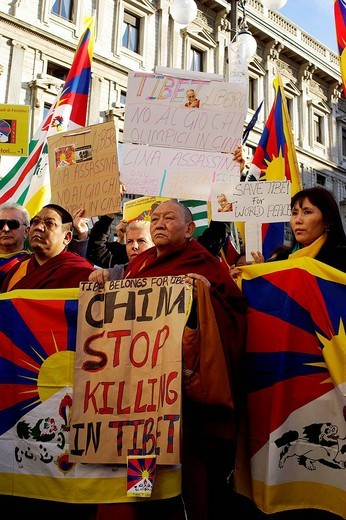 Stock Photo: 3153-748283 milano 20_03_2008 ,pro tibet demonstration,photo marco becker/markanews