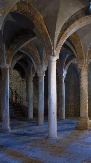 st peter´s basilica, tuscania, lazio, italy : Stock Photo
