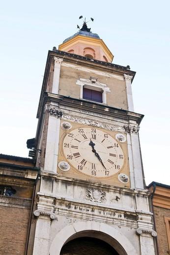Stock Photo: 3153-752730 torre dell´orologio, palazzo comunale, piazza grande, modena, emilia romagna, italia