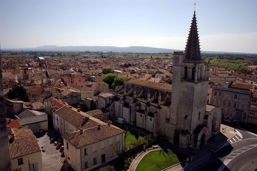 Stock Photo: 3153-759804 europe, france, tarascon, saint martha´s collegiate church
