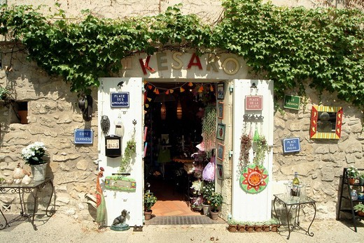 Stock Photo: 3153-760063 souvenirs, provance, france, europe