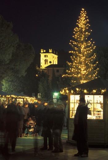 Stock Photo: 3153-760961 christmas market, garda, italy