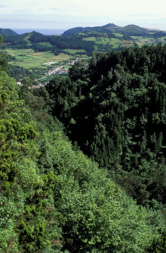 Stock Photo: 3153-764756 furnas: village view, sao miguel, portugal