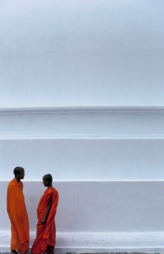 asia, sri lanka, anuradhapura, monks : Stock Photo