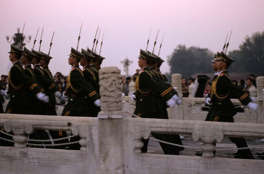 Stock Photo: 3153-769291 asia, china, peking, tiananmen, soldiers