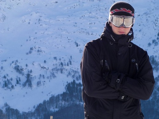 Stock Photo: 3153-773878 young man in mountain