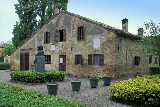 Stock Photo: 3153-774443 giuseppe verdi´s native house, busseto, italy