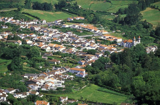 Stock Photo: 3153-776478 furnas: village view, sao miguel, portugal