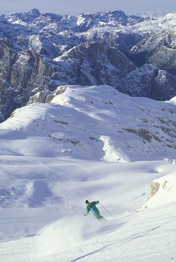 Stock Photo: 3153-780333 tofane skiing slopes, cortina d´ampezzo, italy