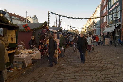 Stock Photo: 3153-781087 denmark, copenhagen, nyhavn at christmas
