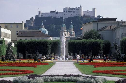 Stock Photo: 3153-784268 murabell gardens, salisburgo, austria