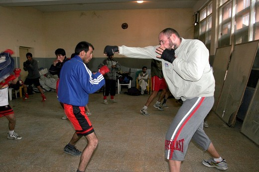afghanistan, the heavyweight boxing european champion paolo vidoz during a training with the afghan national team in the olympic stadium of kabul : Stock Photo