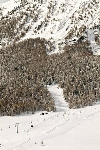 ski runs, torgnon, valle d´aosta, italy : Stock Photo