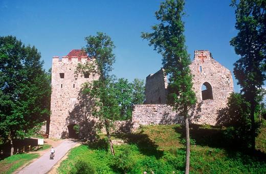 Stock Photo: 3153-788735 europe, latvia, gauja national park, sigulda, teutonic knights fortress