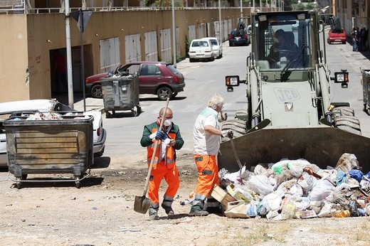 Stock Photo: 3153-789656 palermo 2009, garbage emergency