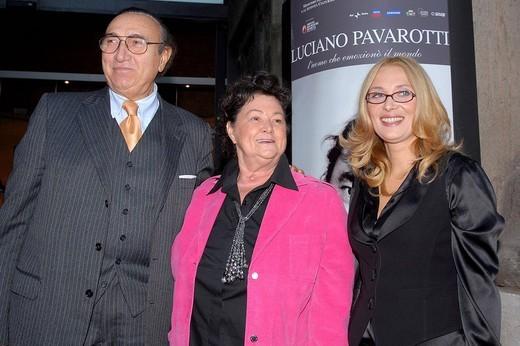 pippo baudo, gabriella pavarotti and nicoletta mantovani,roma 16_10_2008 ,luciano pavarotti exhibition,photo carlo stella/markanews : Stock Photo