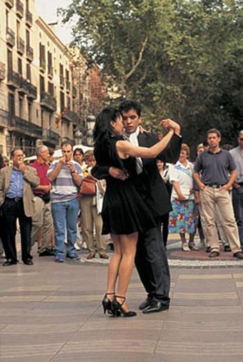 spain, barcelona, the ramblas, street artists : Stock Photo