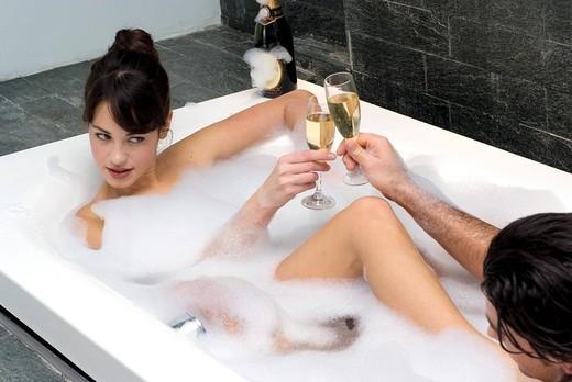 Stock Photo: 3153-800921 couple, bath