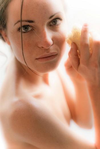 donna fa la doccia : Stock Photo