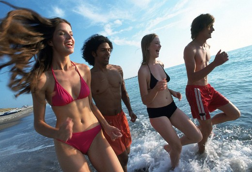 Stock Photo: 3153-803572 young people, sea