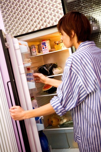 Stock Photo: 3153-808704 woman, fridge