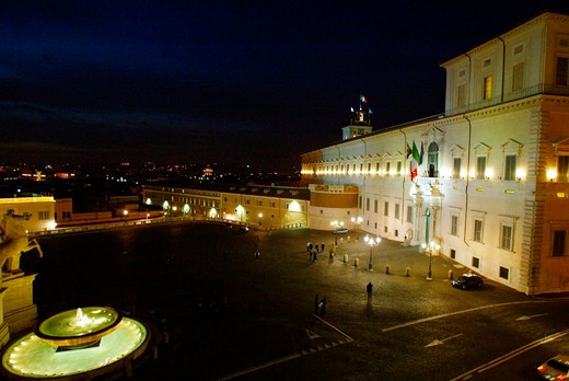 italy, lazio, rome, nighttime view of the quirinale from the constitutional court terrace : Stock Photo