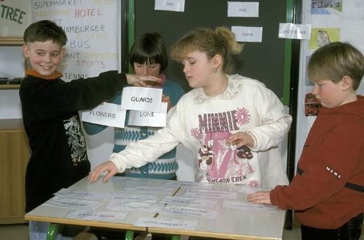 Stock Photo: 3153-813591 englis lesson at primary school, clusone, italy