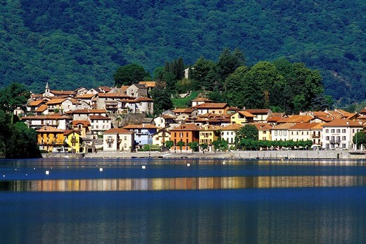 Stock Photo: 3153-814644 europe, italy, piemonte, mergozzo, lake
