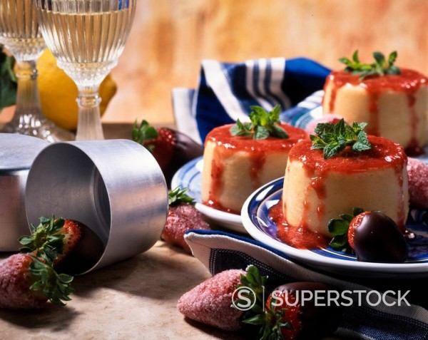 pudding mould : Stock Photo