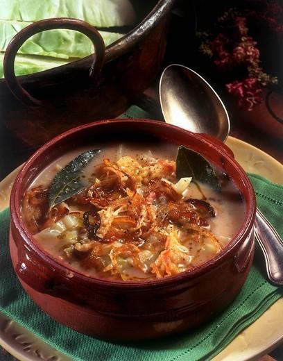 jota, minestra di fagioli, crauti e patate, cucina friulana : Stock Photo