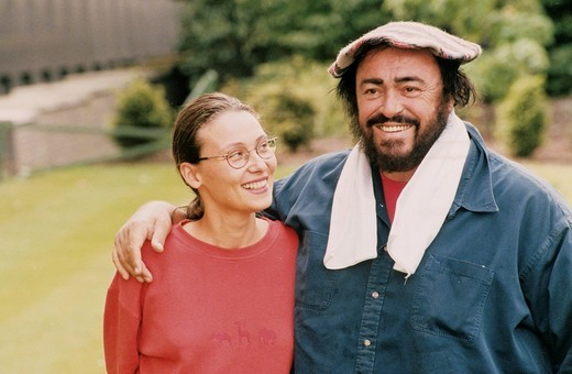 Stock Photo: 3153-821324 luciano pavarotti, nicoletta mantovani